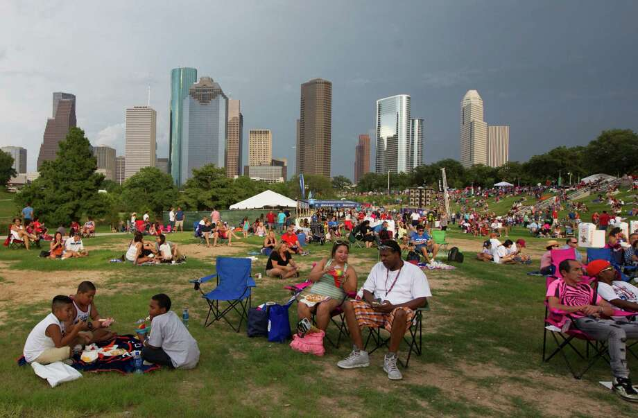 Crows find their spot during the Freedom Over Texas Fourth of July celebration at Eleanor Tinsley Park on Friday, July 4, 2014, in Houston. Photo: J. Patric Schneider, For The Chronicle / © 2014 Houston Chronicle