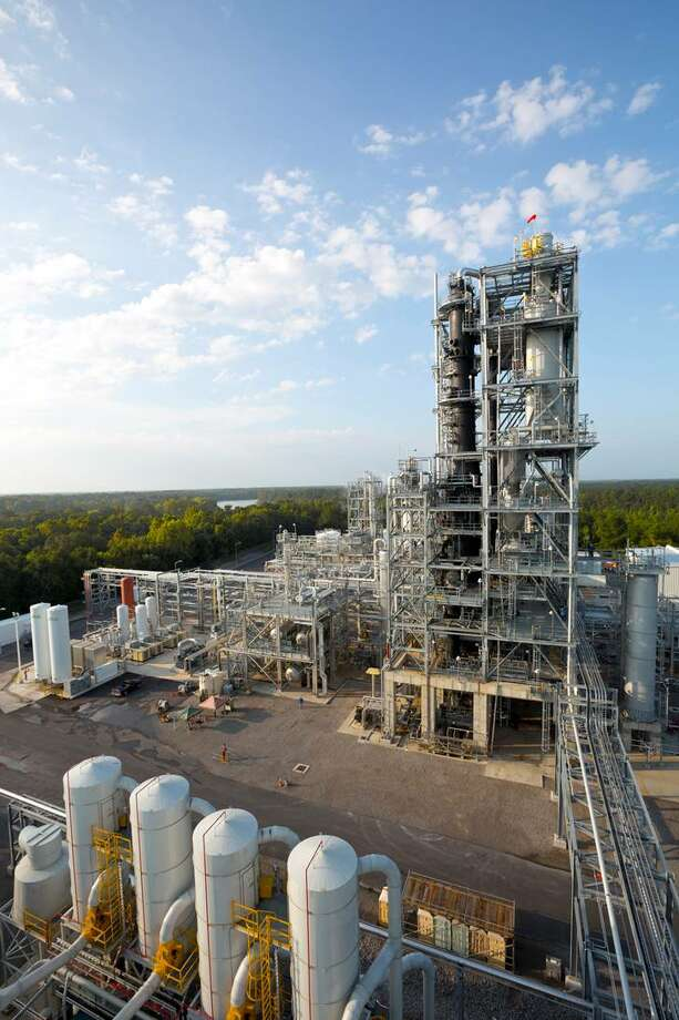 The state of Mississippi has given Pasadena-based KiOR a 4-month extension on the deadline to resume payments on a state loan secured by KiOR's biofuels refinery in Columbus, Miss. (KiOR photo)