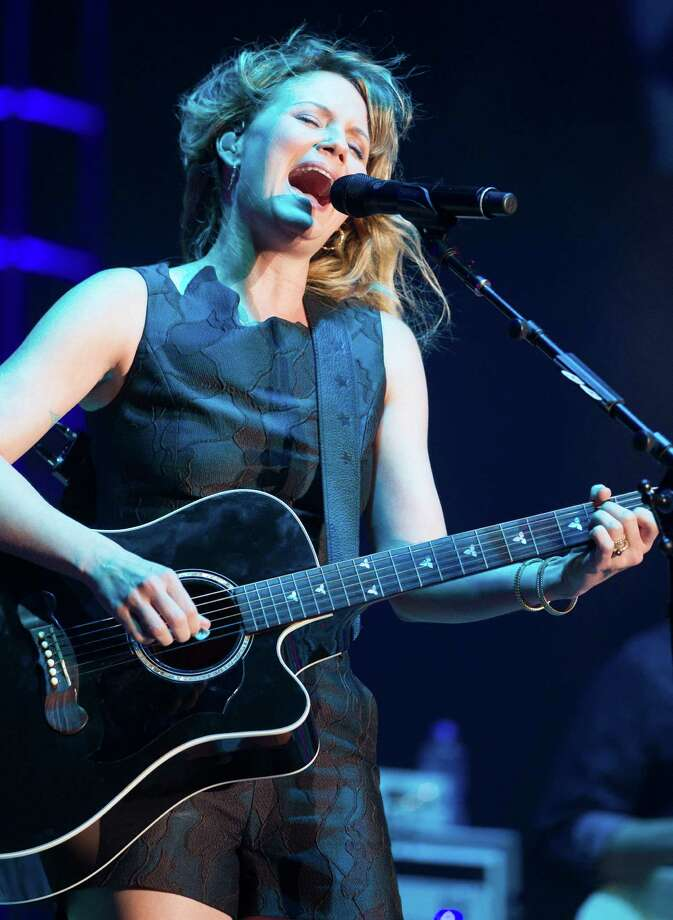 Jennifer Nettles was terrifically expressive at the Freedom Over Texas  Fourth of July show Friday night. Photo: J. Patric Schneider, Freelance / © 2014 Houston Chronicle