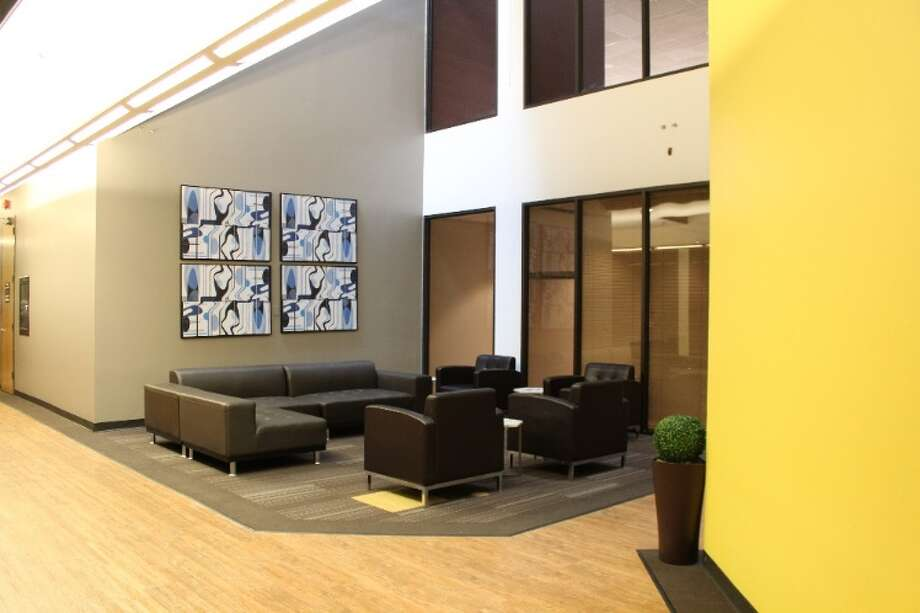 Houston-based Boxer Property has opened Boxer Workstyle spaces at 4101 Greenbriar. Available spaces range from open desk areas to executive offices or multi-office suites. / ONLINE_YES