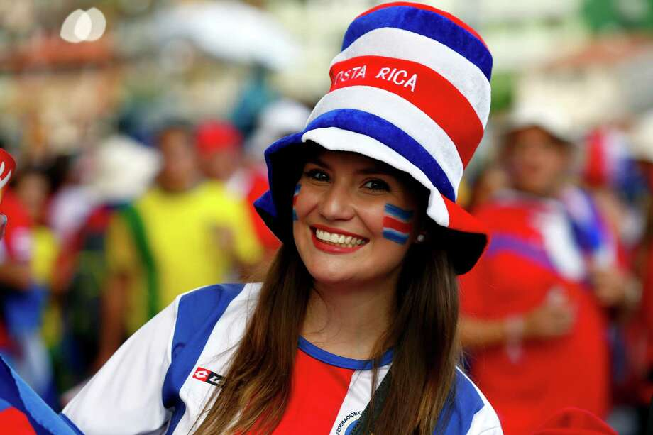 SALVADOR, BAHIA , BRAZIL - JULY 5: Fans arrive for the Quarter Final match between Netherlands and Costa Rica during the 2014 FIFA World Cup Brazil at Arena Fonte Nova on July 5, 2014 in Salvador, Bahia, Brazil. Photo: Felipe Oliveira, Getty Images / 2014 Getty Images