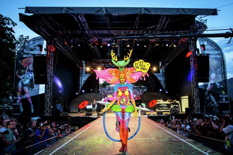 A model performs on the stage at the World Bodypainting Festival 2014 on July 5, 2014 in Poertschach am Woerthersee, Austria. Photo: Jan Hetfleisch, Getty Images / 2014 Getty Images