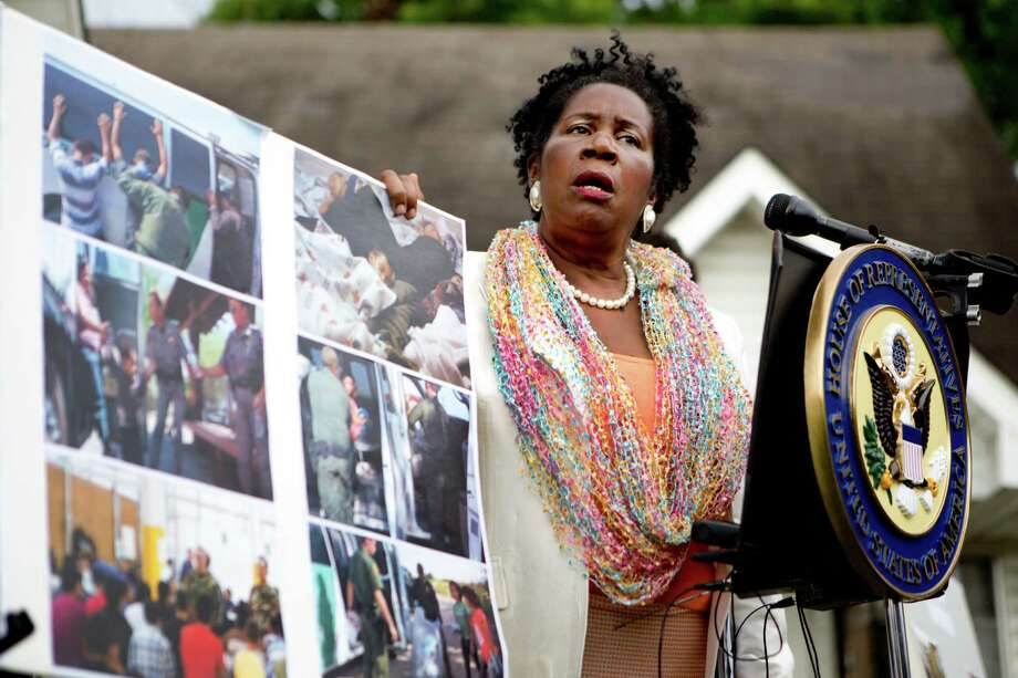 Congresswoman Sheila Jackson Lee on Sunday called on the faith community of Houston to work voluntarily for the needs of unaccompanied immigrant children crossing the U.S-Mexico border. Photo: Marie D. De Jesus, Staff / © 2014 Houston Chronicle