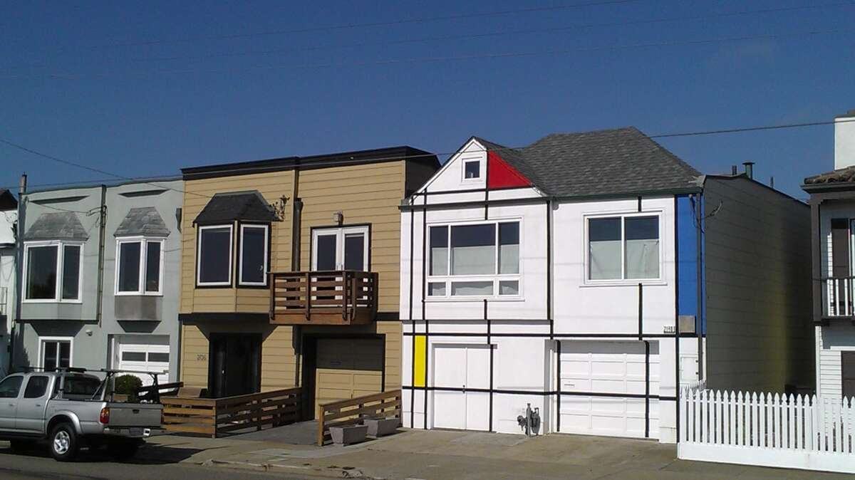 GALLERY:Quirky houses of San Francisco Mondrian house on the Great Highway near Rivera Street.