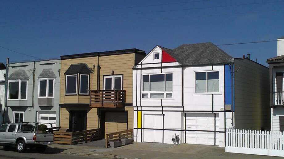 Mondrian house on the Great Highway near Rivera Street. Photo: John King, The Chronicle