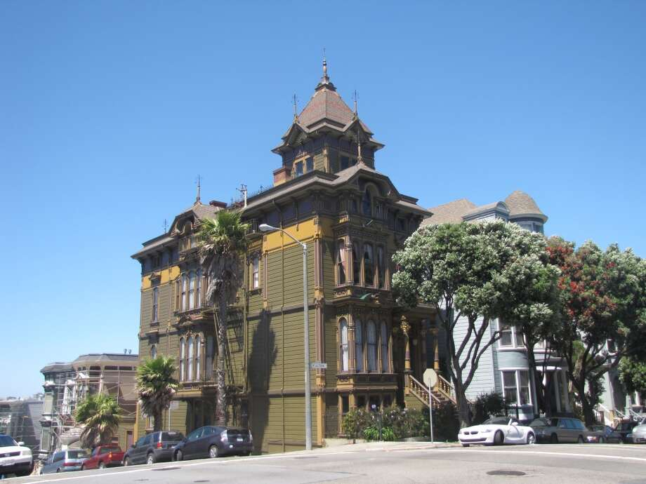 Not a Painted Lady: Alamo Square, northwest corner. Photo: John King, The Chronicle