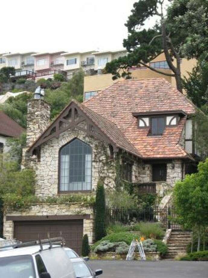 Stone-clad storybook -- for real -- in Forest Hills on Castenada Ave. Photo: John King, The Chronicle