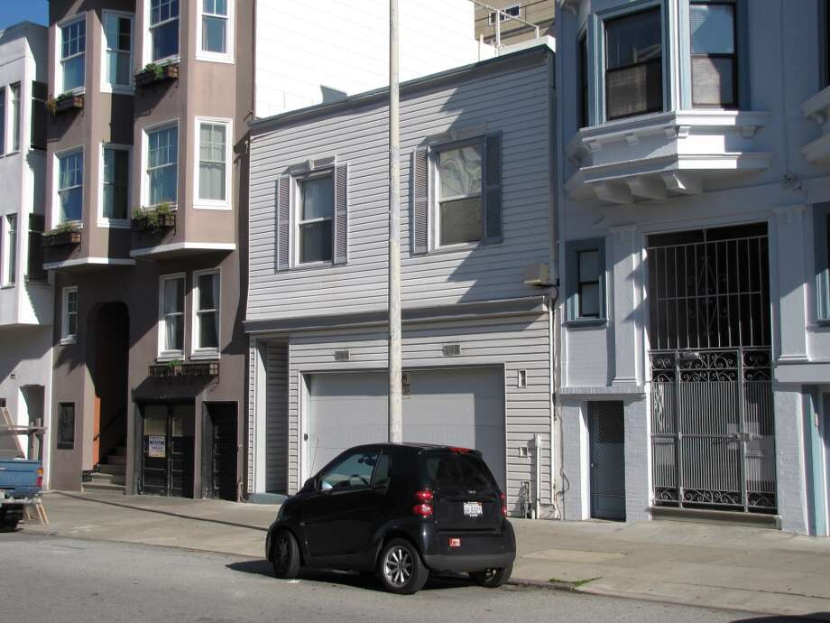 A filled blank on Stockton Street in North Beach. Maybe the owner should look to Bernal Heights for inspiration. Photo: John King, The Chronicle
