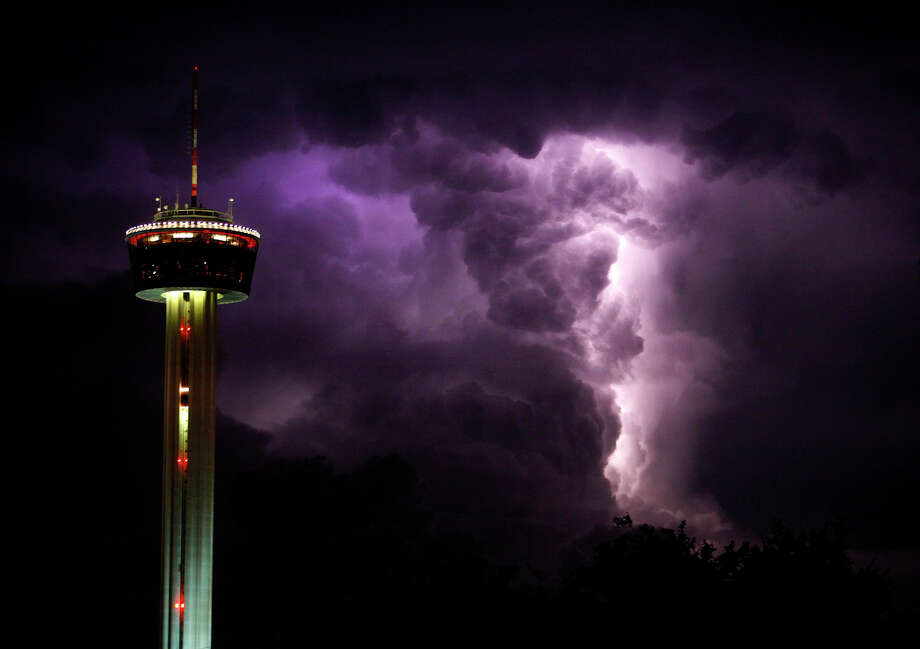 Landry's operates the Tower of the Americas in San Antonio, with Chart House Restaurant at the top of the 750-foot Hemisphere landmark. Photo: LISA KRANTZ, Hc / San Antonio Express-News