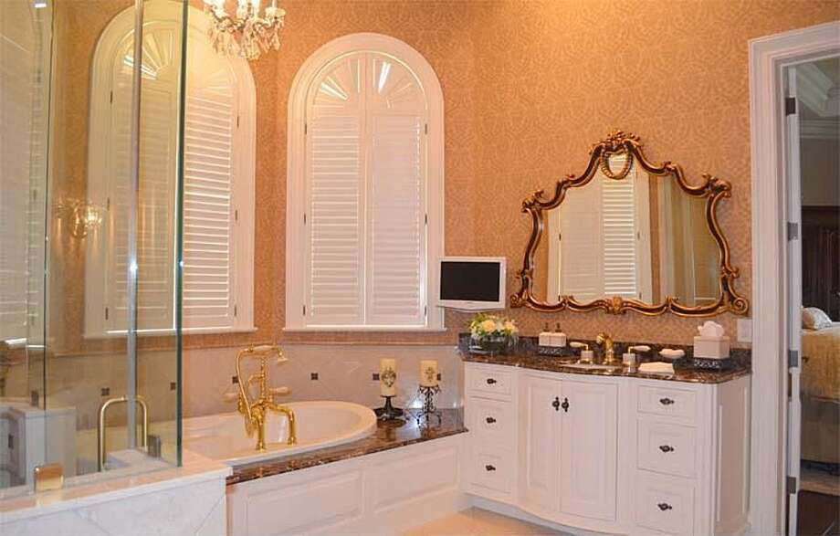 1355 Thomas Rd, Beaumont: $2,450,000The master bath has a steam shower, Bain tub and large walk-in closet. Photo: Zillow