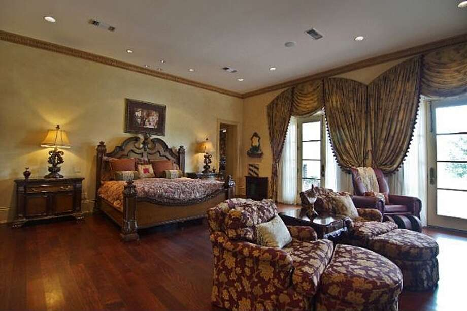 6 Estates Of Montclaire, Beaumont: $3,250,000The downstairs master bedroom includes a sitting room, spa-like bath, steam shower and large closets. Photo: Zillow