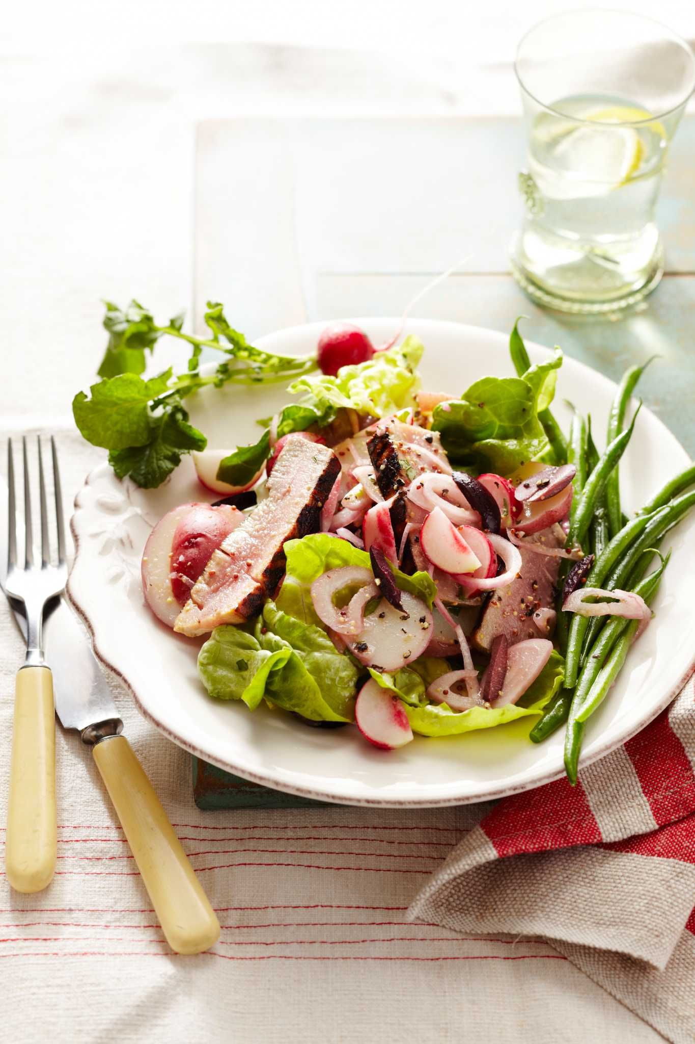 Salade Provençale with Tuna and Radishes
