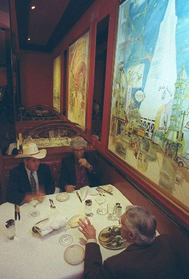 The owners tried to recreate the look from the original space on Broadway. Photo: Eric Luce, The Chronicle 1998