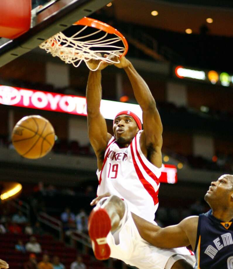 July 13, 2007 – Mike Harris, forwardDaryl Morey's first free agent signing came on Friday the 13th. Harris was waived late in training camp, but brought back from China to help key several wins in the Rockets 22-game winning streak. Photo: Nick De La Torre, Houston Chronicle