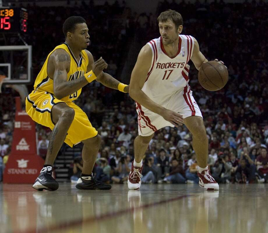 July 10, 2008 – Brent Barry, guardThe Rockets signed Barry to bring some of the role-player excellence he had given the Spurs. Trying to expand his role, Barry never quite fit at that stage of his career. Photo: James Nielsen, Houston Chronicle