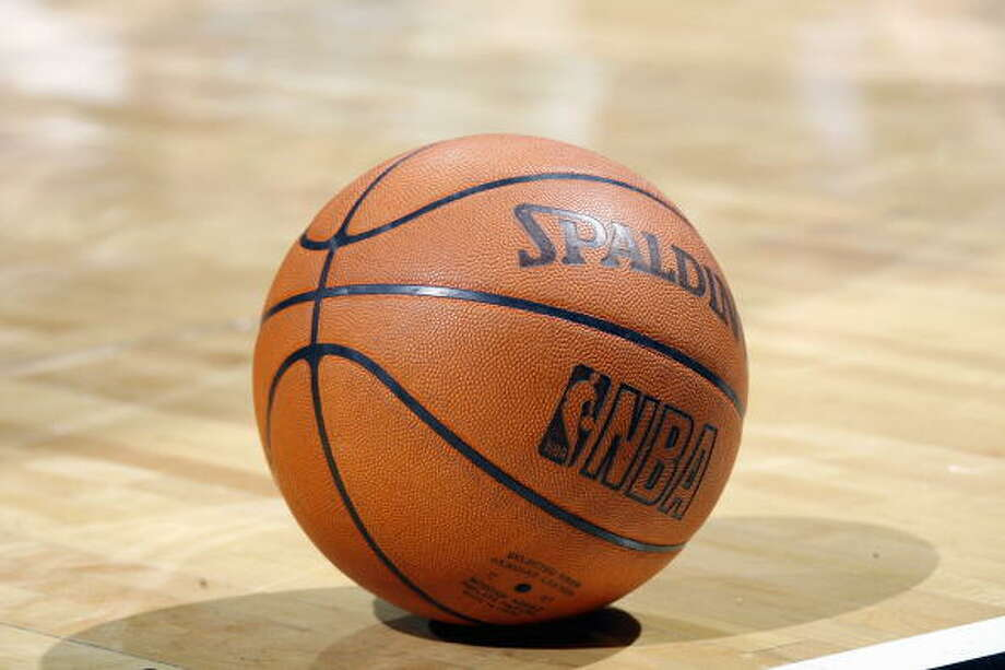 The Seattle University men's and women's basketball teams are having games cancelled this week over concerns related to the novel coronavirus. Photo: Layne Murdoch, NBAE/Getty Images / 2007 NBAE