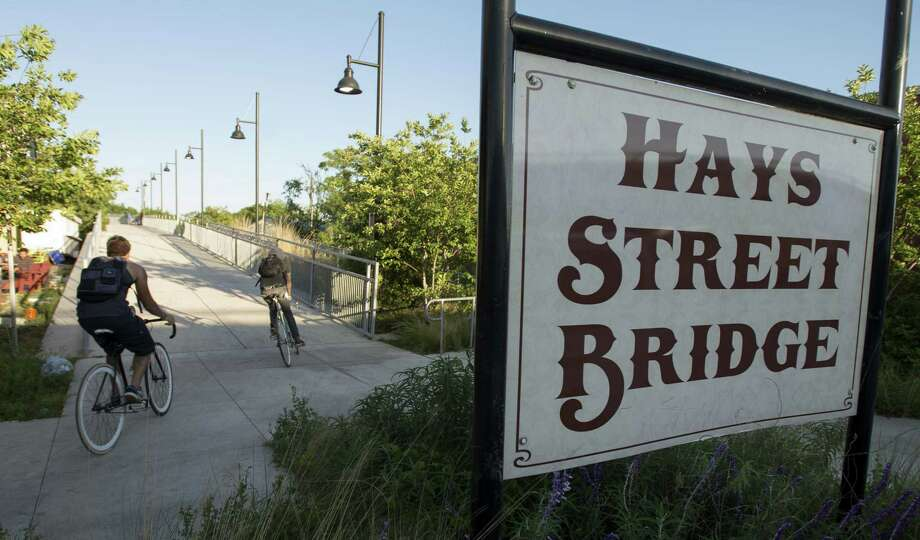 The Hays Street Bridge Restoration Group claims that land next to the bridge was donated as part of its upgrades. Photo: San Antonio Express-News File Photo