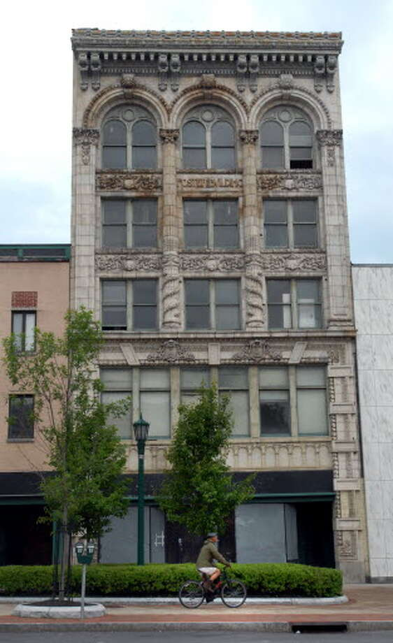 View of the Foster Building at 508 State St., as seen in 2009. (Cindy Schultz / Times Union)