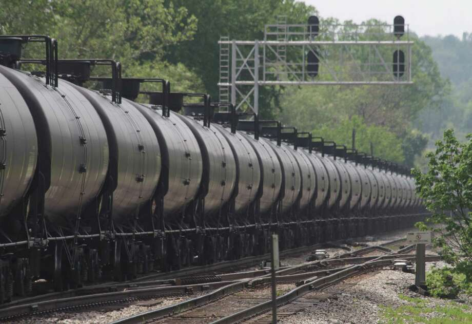 New federal rules governning trains that haul crude oil could cover speed and other operational matters in addition to tank car standards.  (Curtis Tate/MCT) Photo: Curtis Tate, STF / MCT