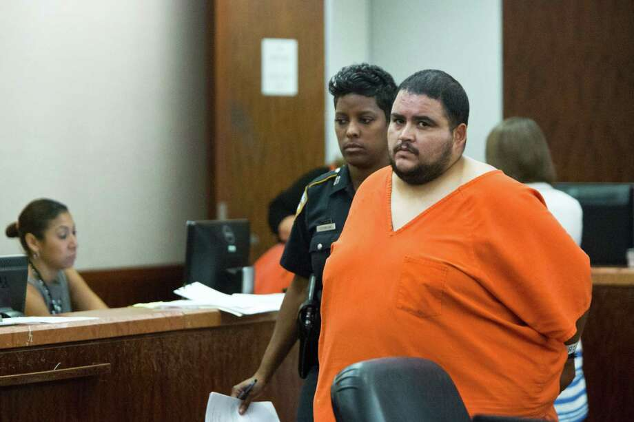 Efraim Carmona, 34, has been charged with five counts of intoxication manslaughter in a crash that killed 5 people. Photo: Marie D. De Jesus, Staff / © 2014 Houston Chronicle