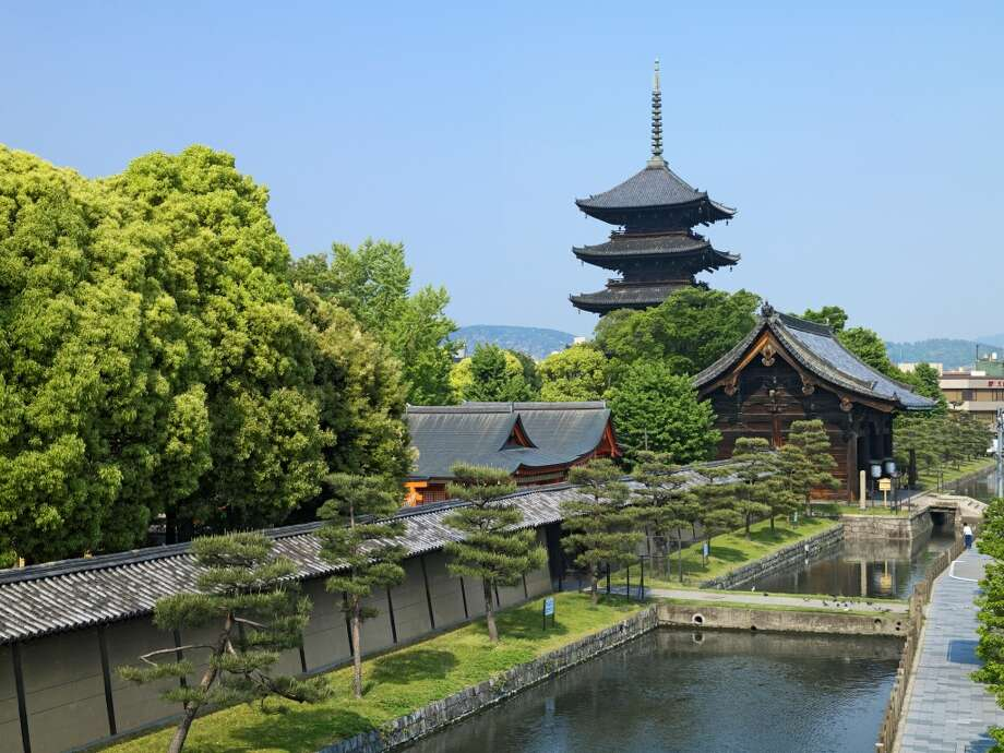 "TRAVEL & LEISURE TOP 10 WORLD'S BEST CITIES1. Kyoto, Japan: Japan's ancient imperial capital topped the travel magazine's ""World's Best Cities"" list for the second year in a row. Among its treasured traditions is the monthlong Gion Festival in July, which dates back 1,100 years and includes ceremonial washing of portable shrines, the Yamaboko Float Parade and the Kankou Festival.  Excellent public transport and affordable private tours, such as the World Heritage Tour Bus, make it easy to visit Kyoto's numerous historical and cultural sites. Photo:  Getty Images/amana Images RM"