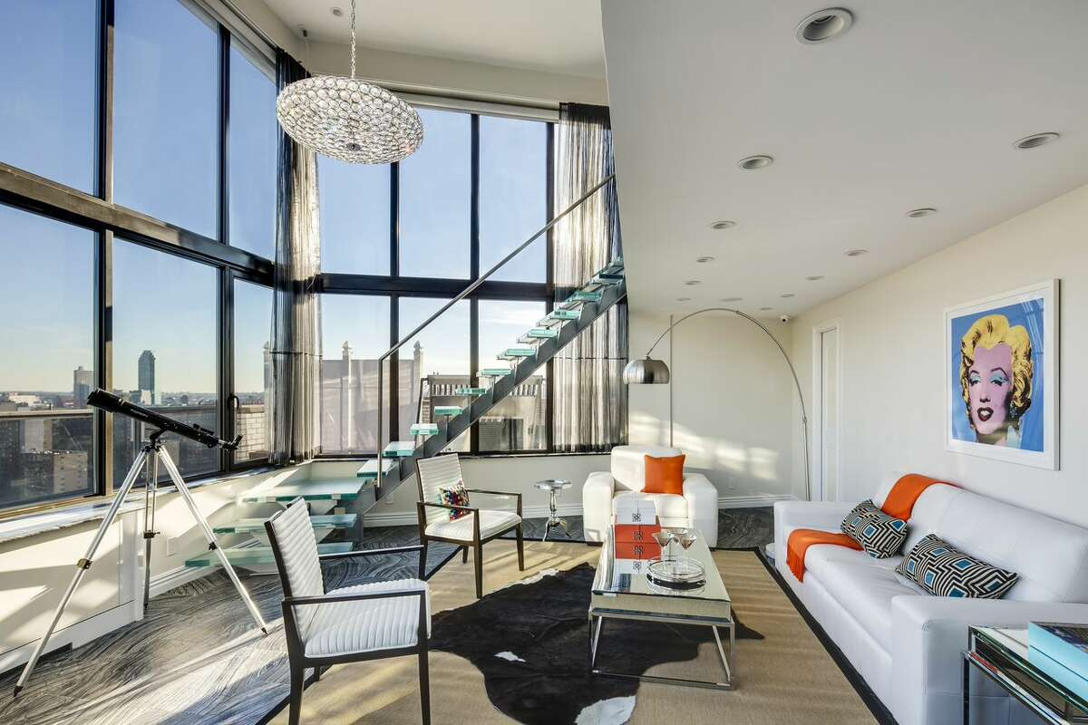 The New York penthouse where Frank Sinatra lived with Mia Farrow.