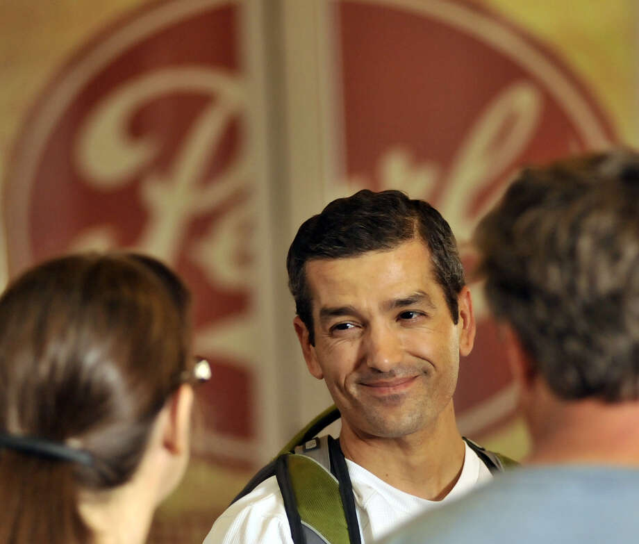 The local business community has reacted positively to the idea of state Rep. Mike Villarreal running for mayor in 2015. Photo: Express-News File Photo / SAN ANTONIO EXPRESS-NEWS
