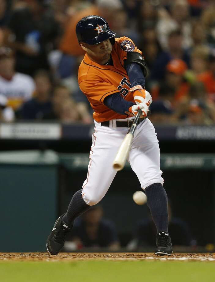 Jose Altuve  grounds out in the third inning. Photo: Karen Warren, Houston Chronicle