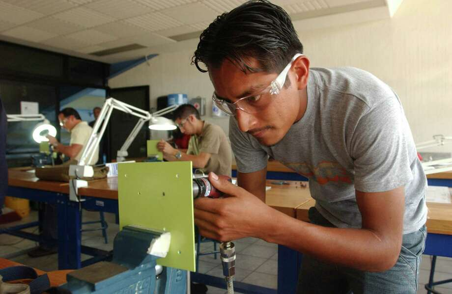 The sector of Mexico that could meet the new need of a highly skilled labor force is largely undereducated and undertrained. Photo: JENNIFER SZYMASZEK, Freelance / Freelance