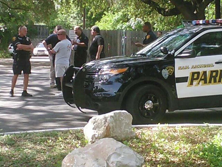 The body of an off duty SAPD officer was found Saturday afternoon. Photo: Mark D. Wilson, Express-News
