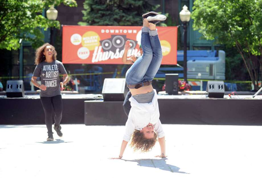 The Bridgeport Arts Fest returns to McLevy Green Saturday, July 12, 2014, in downtown Bridgeport, Conn. Photo: Autumn Driscoll / Connecticut Post