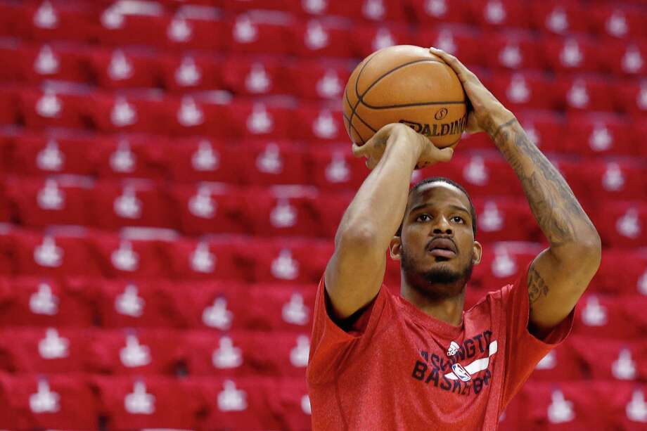 With the Wizards last season, forward Trevor Ariza averaged 14.4 points per game on 45.6-percent shooting from the field and 40.7-percent from 3-point range. Photo: Alex Brandon, STF / AP