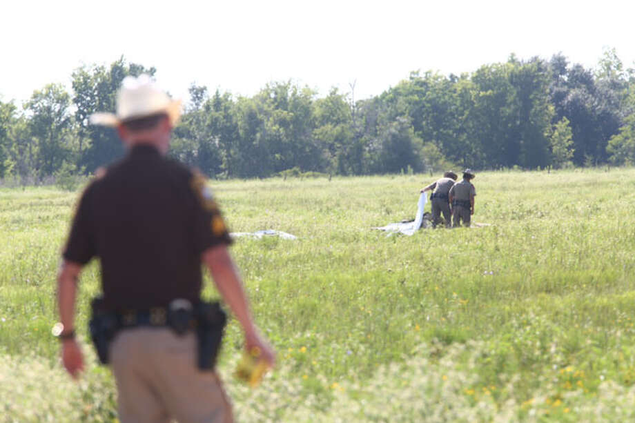 A man died Sunday afternoon when his glider aircraft crashed near the runway for the Greater Houston Soaring Association, in the 12200 block of Reinecker Road, said Bob Haenel, a spokesman for the Fort Bend County Sheriff's Office. Photo: Marie DeJesus / Houston Chronicle