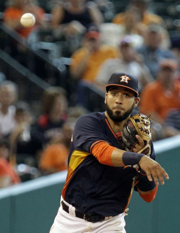 Astros shortstop Marwin Gonzalez throws to first base. Photo: Melissa Phillip, Houston Chronicle
