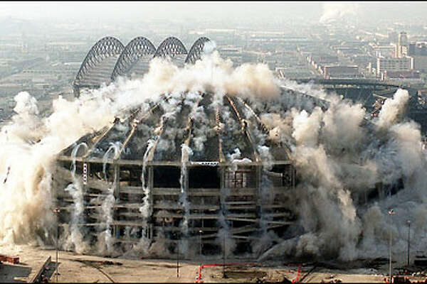 15. When the sun's out, you can get a tan at a baseball or football game. (Remember this place?) Photo: Kingdome implosion, 2000: The Kingdome opened March 27, 1976 and immediately became the Northwest's premier sports venue. More than 58,000 fans watched the Seattle Sounders and New York Cosmos play in the arena's first pro game April 9, 1976, wheen soccer legend Pele scored two goals in the Cosmos' 3-1 victory. In October, 1986, Steve Largent of the Seattle Seahawks broke a National Football League record with a reception that gave him at least one catch in 128 consecutive games. The Kingdome became dust March 26, 2000. Two new stadiums continue the story of professional sports in Seattle.