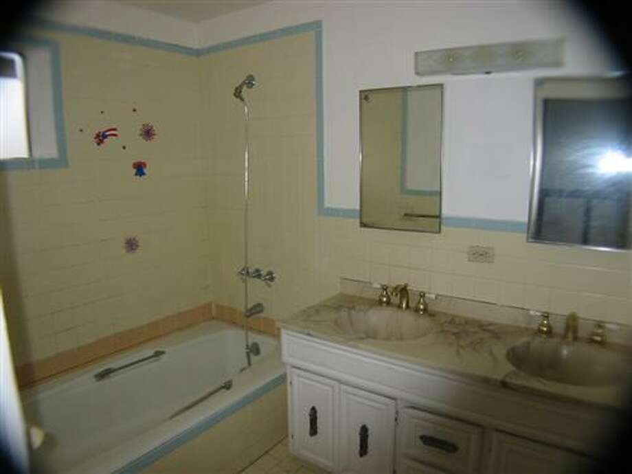 A pre-remodel bathroom. Photo: MLS