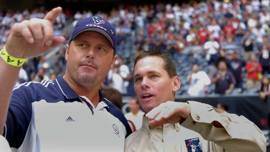Roger Clemens and Craig Biggio were in attendance as the Astros were recognized prior to the Texans' game against the Cleveland Browns on Oct. 30, 2005. Photo: Steve Ueckert, Houston Chronicle / Houston Chronicle