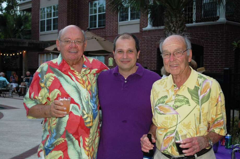 Residents and staff of The Buckingham hold a fundraiser for local chapter of the Alzheimer's Association. Photo: Picasa