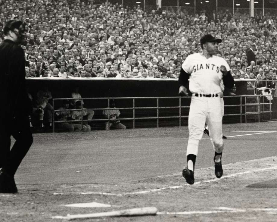 Willie Mays of the  Giants scores the only run in the 39th All-Star Game. Photo: Bill Goodwin, © Houston Chronicle
