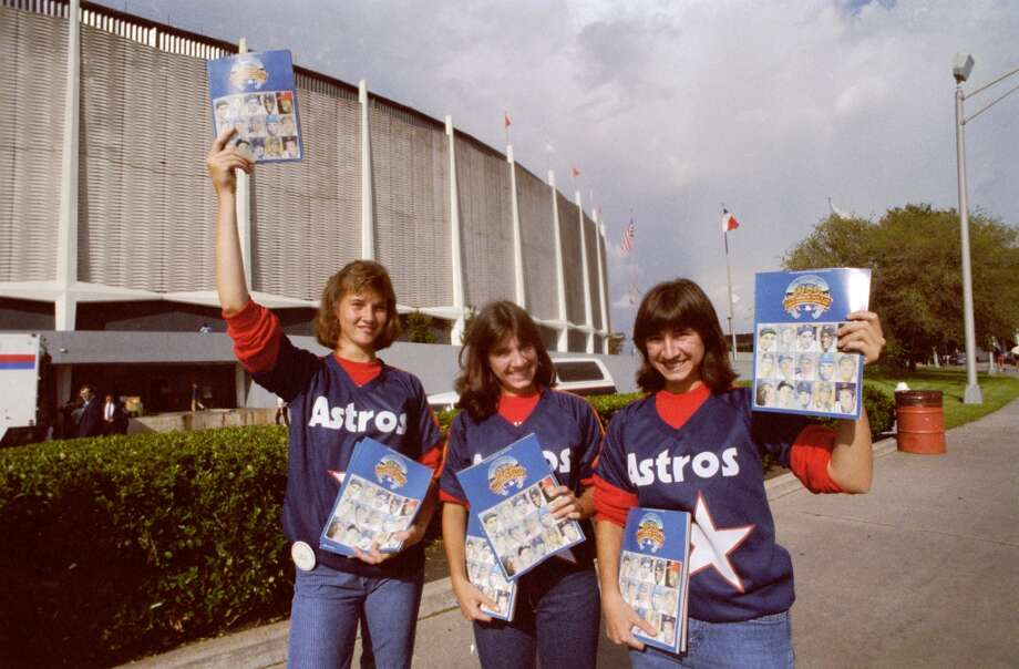 Program vendors outside the Astrodome during the 1986 All-Star Game. Photo: Steve Ueckert, © Houston Chronicle