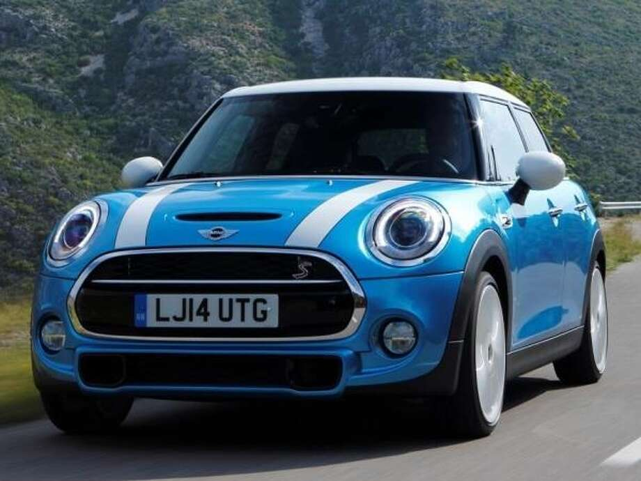 The 2015 Mini Cooper Hardtop 4-Door Photo: Kelley Blue Book