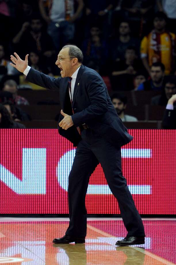 CSKA Moskow`s head coach Ettore Messina gestures during a Euroleague Top 16 group F basket match between Galatasaray and CSKA Moskow on February 14, 2014, at Abdi Ipekci Arena in Istanbul. Photo: OZAN KOSE, AFP/Getty Images