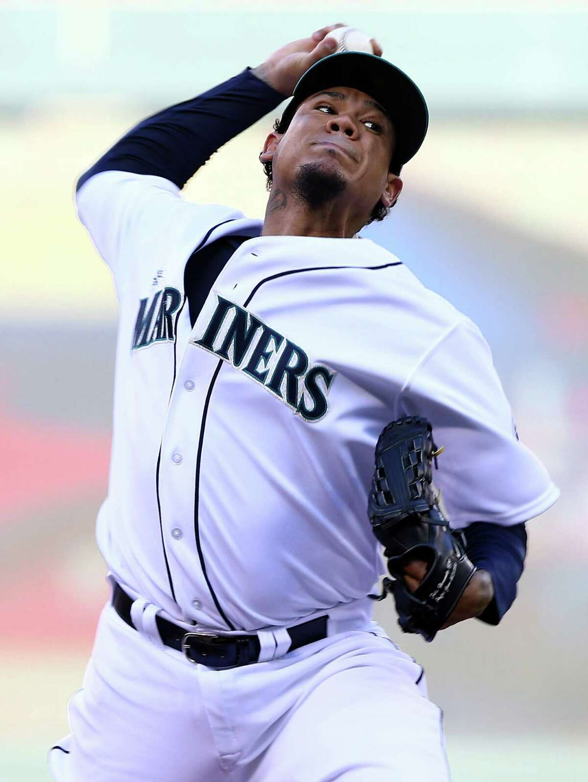 MINNEAPOLIS, MN - JULY 15: American League All-Star Felix Hernandez #34 of the Seattle Mariners pitches against the National League All-Stars during the 85th MLB All-Star Game at Target Field on July 15, 2014 in Minneapolis, Minnesota.