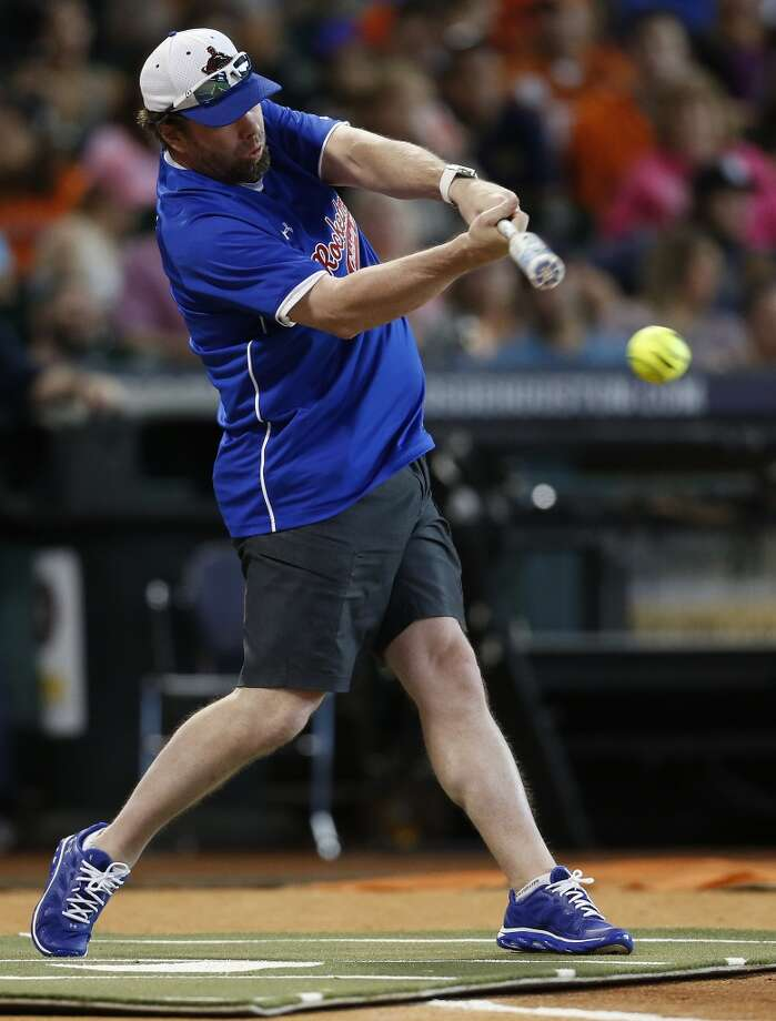 Jeff Bagwell hits the ball. Photo: Karen Warren, Houston Chronicle