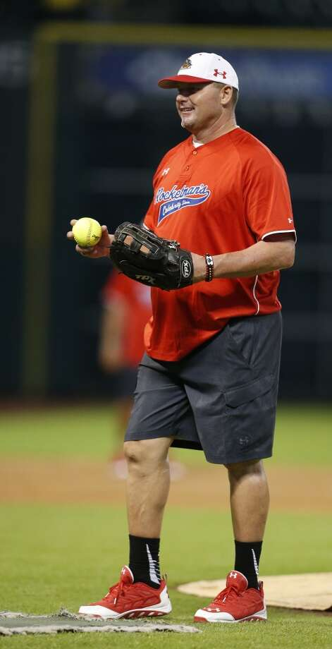 Roger Clemens pitches. Photo: Karen Warren, Houston Chronicle