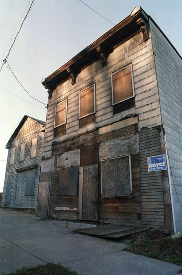Times Union Staff Photo by  Jonathan Fickies -- Boarded up buildings on Burden Ave. in Troy, NY on Thursday December 2, 1999. Photo: JONATHAN FICKIES / ALBANY TIMES UNION