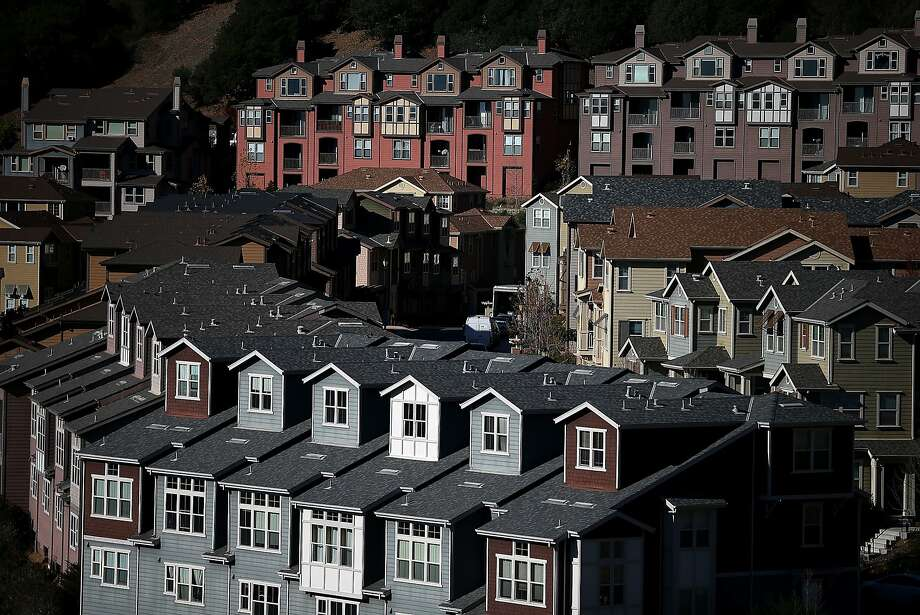 Rows of new homes line a street in a housing development on December 4, 2013 in Oakland. Photo: Justin Sullivan, Getty Images