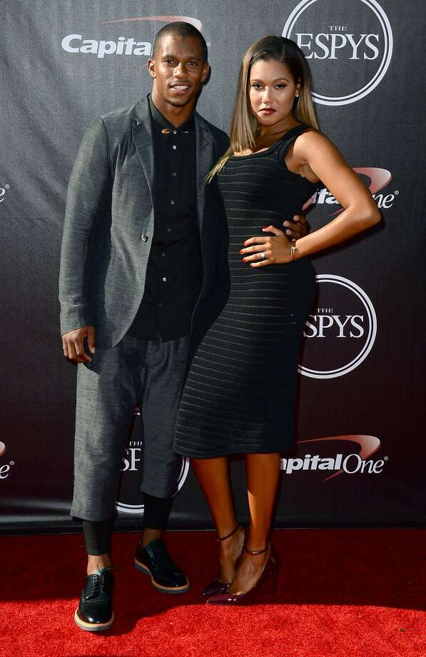 New York Giants' Victor Cruz and Elaina Watley arrive at the ESPY Awards at the Nokia Theatre on Wednesday, July 16, 2014, in Los Angeles. (Photo by Jordan Strauss/Invision/AP) Photo: Jordan Strauss, Associated Press
