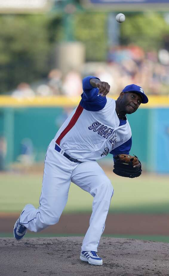 Skeeters pitcher Tracy McGrady pitches in the first inning of the Atlantic League All-Star game at Constellation Field, Wednesday, July 16, 2014, in Sugar Land. ( Karen Warren / Houston Chronicle  ) Photo: Karen Warren, Houston Chronicle