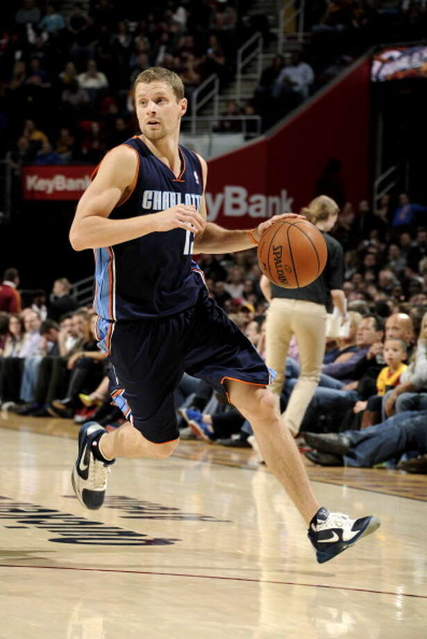 Luke Ridnour  Point guard Age: 33 Status: Agreed to two-year deal with the Orlando Magic. Photo: David Liam Kyle, NBAE/Getty Images / 2014 NBAE